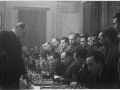 Alekhine, Casino Antiguo, 1945
